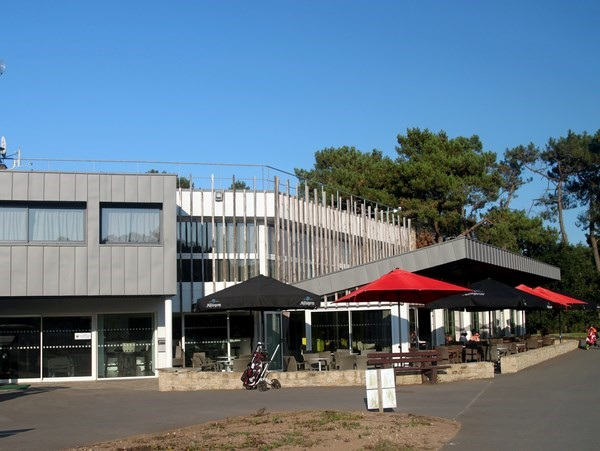Club house du golf Saint Laurent dans le Morbihan en Bretagne