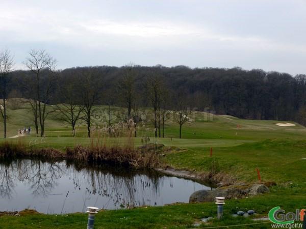 Le green n°18 du golf de Saint-Marc proche de Versailles à Jouy-en-Josas dans les Yvelines
