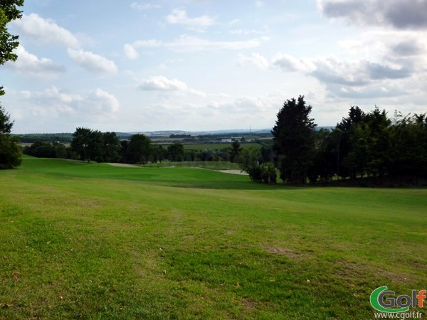 Fairway n°5 du golf de Salouel dans la Somme en Picardie proche d'Amiens