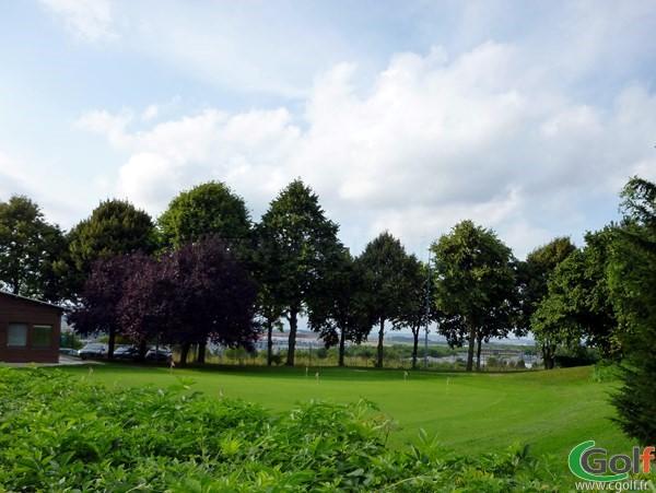 Putting green en Picardie dans la Somme proche d'Amiens au golf de Salouel