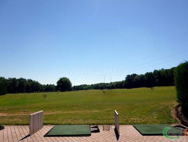 Practice du golf de Salvagny en Rhône Alpes dans la banlieu Lyonnaise