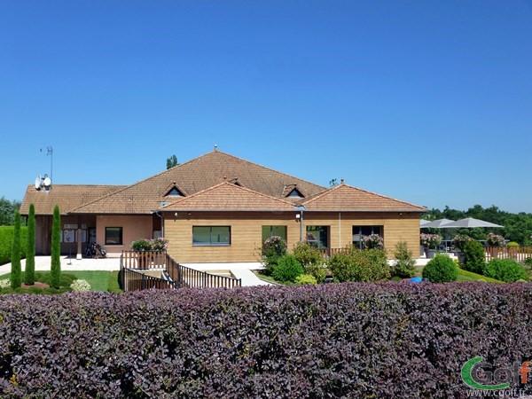 Club house du golf de Salvagny en Rhone Alpes proche de Lyon