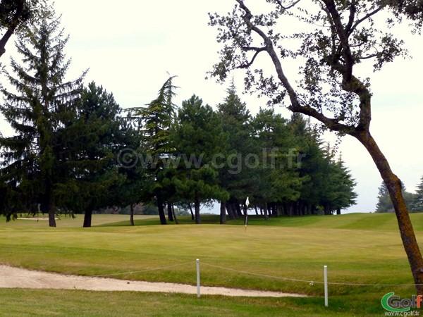 Un green du golf de Monaco La Turbie sur la Cote d'Azur dans le 06