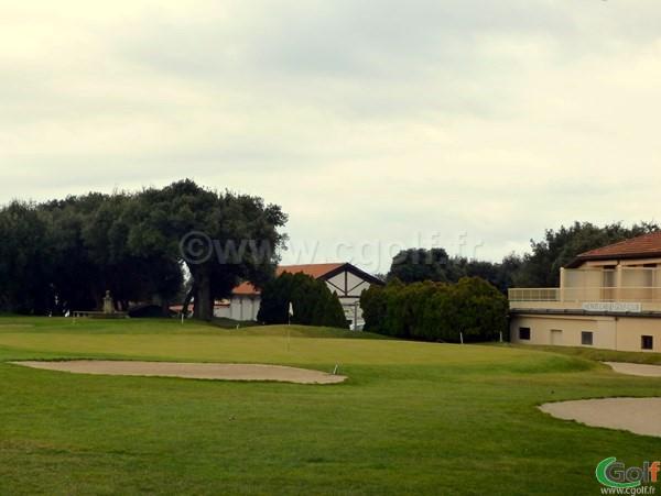 Le green du n°18 du golf de La Turbie vers Monaco sur la Cote d'Azur
