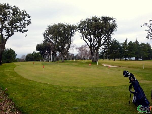 Le putting green du golf de La Turbie proche de Monaco sur la Cote d'Azur