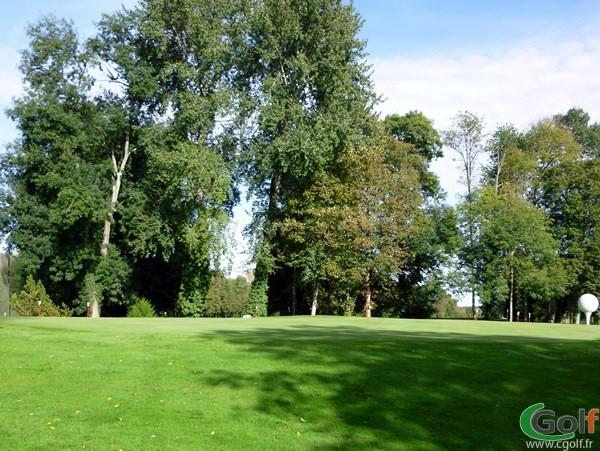 Le putting green à Villedieu-sur-Indre dans le Centre de la France sur le golf du Val-de-l'indre