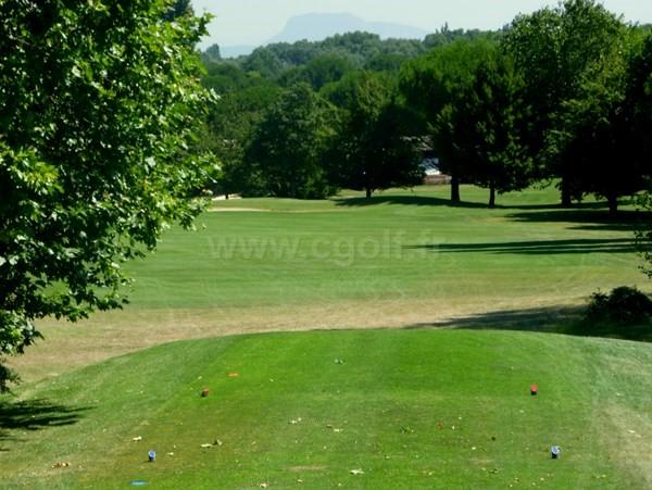 Départ n°10 du golf de la Valdaine proche de Montélimar dans la Drôme en Rhône-Alpes