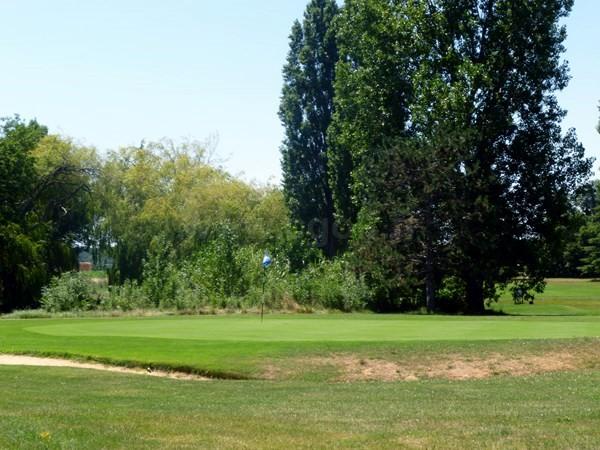 Green n°6 du golf de Valence Saint Didier en Rhône alpes dans la Drome à Charpey