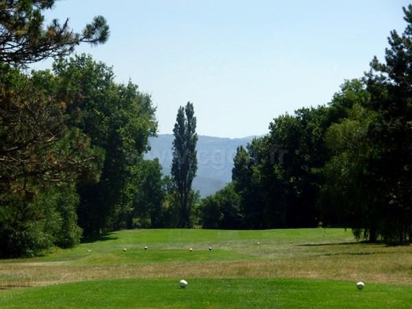 Départ du golf de Valence Saint Didier proche de Romans sur Isère dans la Drome Provençale