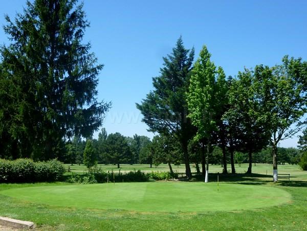 putting green du golf de Valence Saint Didier à Charpey dans la Drôme Provençale