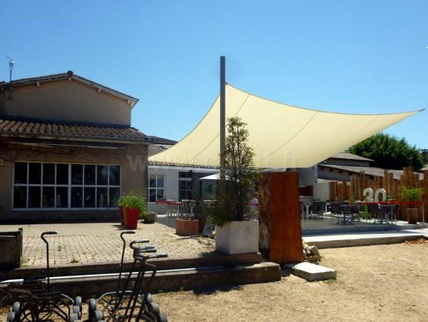 club house du golf de Valence Saint Didier dans la Drôme Provençale en Rhône Alpes