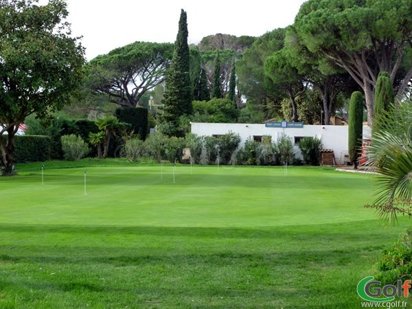 Le putting green du golf de Valescure Saint Raphael dans le Var en région PACA