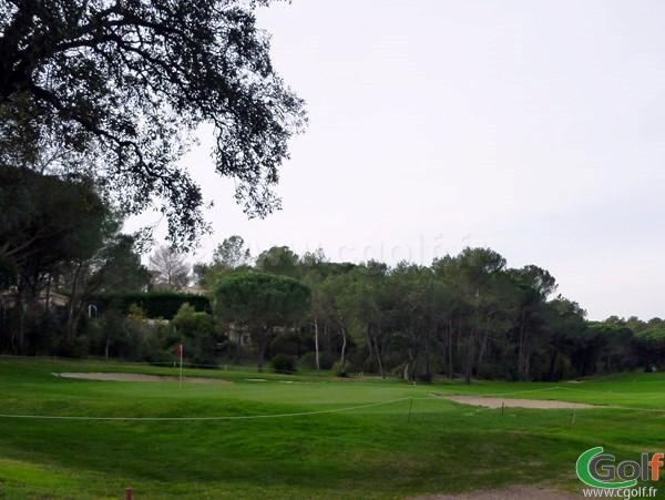 Le green du n°6 du golf de Valescure en région PACA dans le var à Saint Rhaphael sur la cote d'azur