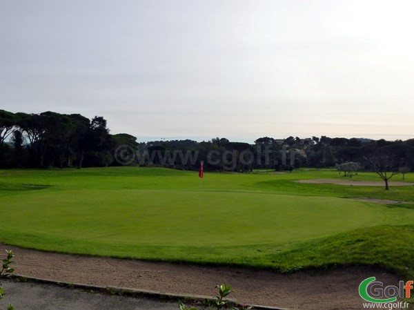 Le green du n°18 du golf de Valescure Saint Raphael dans le Var en région PACA