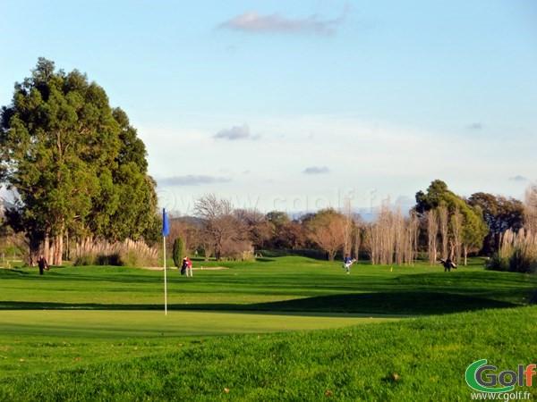 Le green n°13 du golf de Valgarde à La Garde proche de Toulon dans le Var