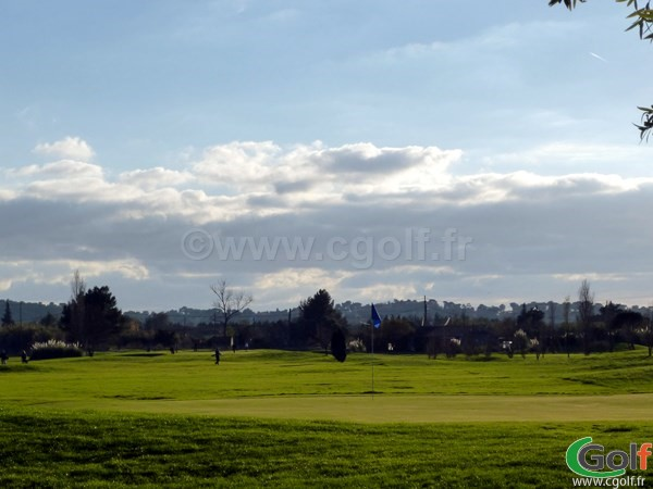 cLe green du trou n°18 du golf de Valgarde à coté de Toulon à La Garde dans le Var