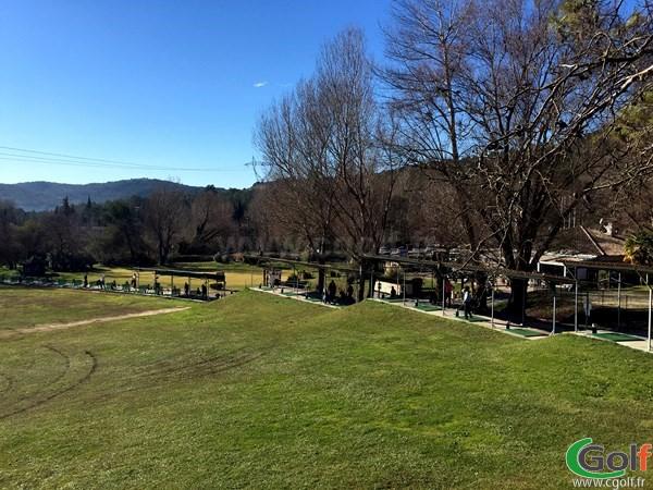 Practice de Villneuve Loubet golf club dans les Alpes Maritimes proche d'Antibes en PACA