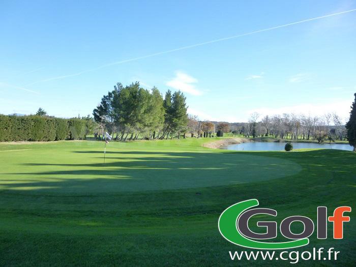 Green 15 du golf du Grand Avignon