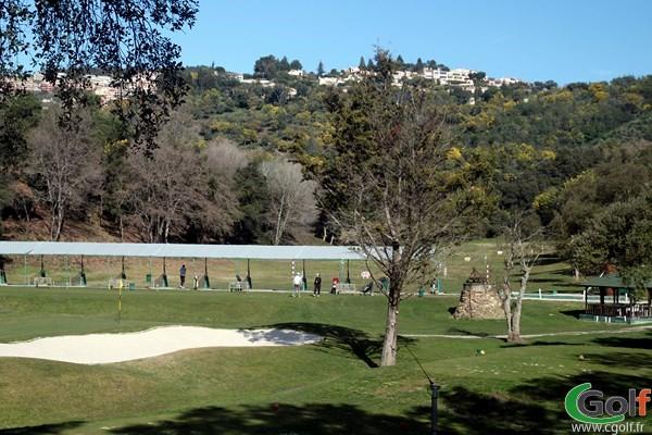 Le practice du golf de Riviera Mandelieu dans les Alpes Maritimes sur la Cote d'Azur