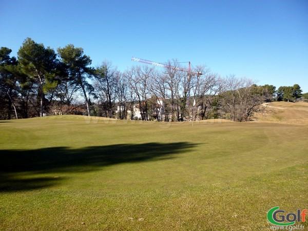 Green du parcours 18 trous au Set Golf à Aix en Provence en région PACA