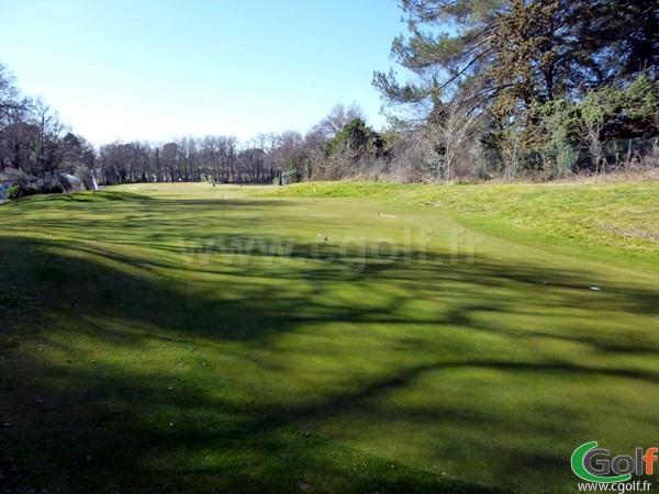 Putting green du Set Golf à Aix en Provence dans les Bouches du Rhone en PACA