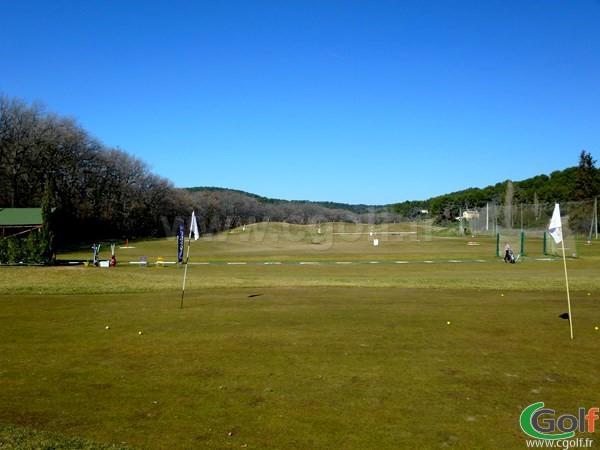 Le practice du Set Golf à Aix en Provence sur la Cote d'Azur en PACA
